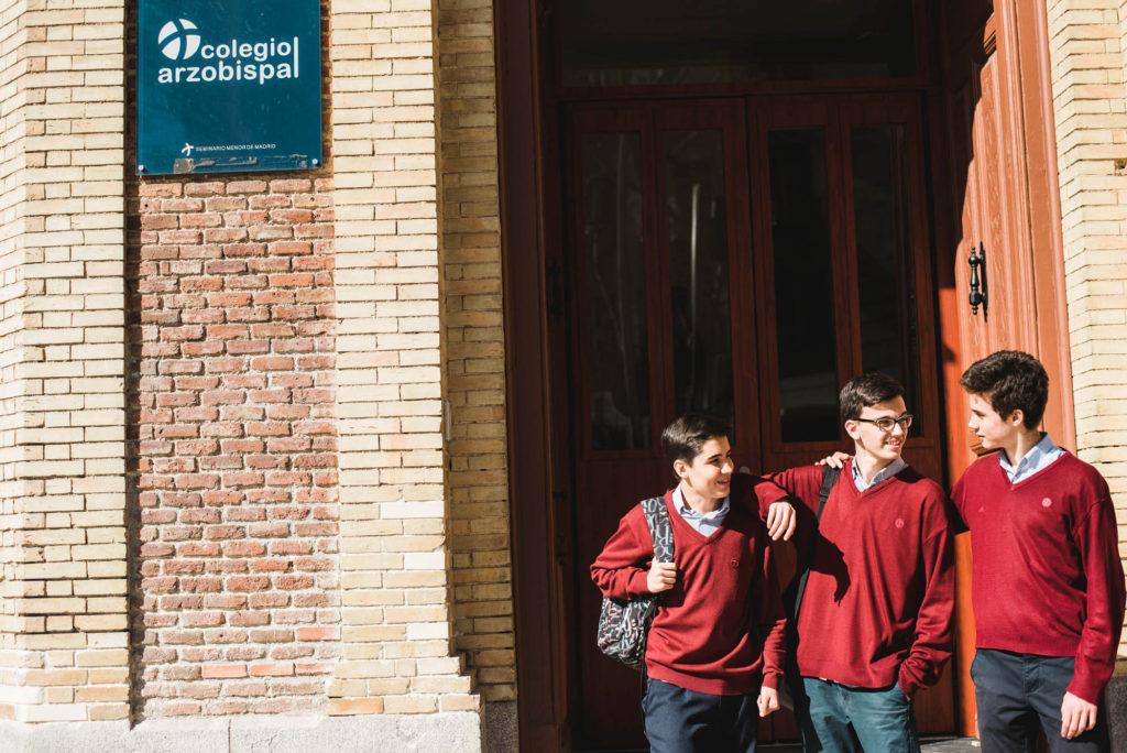 Colegio Arzobispal espera fachada